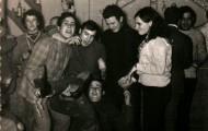 Amigos celebrando la Noche Vieja en Mayorga