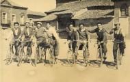 Foto de grupo de ciclistas en Mayorga