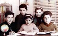 Foto de los hermanos Trigueros Rodriguez en la escuela