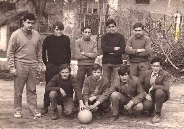 Foto del equipo de fútbol del Colegio Rural de Mayorga en 1968
