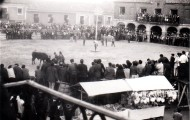 Panorámica de la plaza de toros en las fiestas de Mayorga