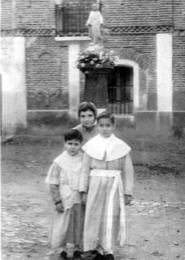 Foto de la inauguración de la Milagrosa en Mayorga