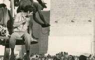 Torero bebiendo de la bota en Mayorga 1970