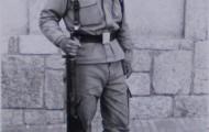 Francisco Trigueros realizando en servicio militar 1975