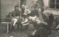 Foto de la matanza en Mayorga. Familia García San Miguel con sus tres hijos 1968