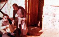 Ignacio y Donato a la puerta del Silencio en Mayorga 1980