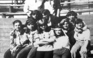 Mujeres en la plaza de toros de Mayorga. 1978