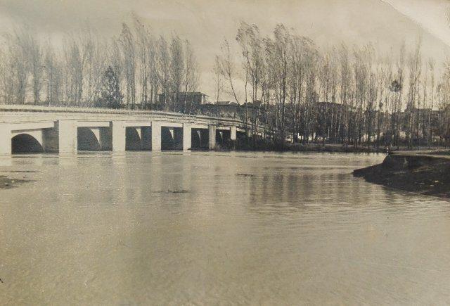 El Río Cea desbordado a su paso por Mayorga